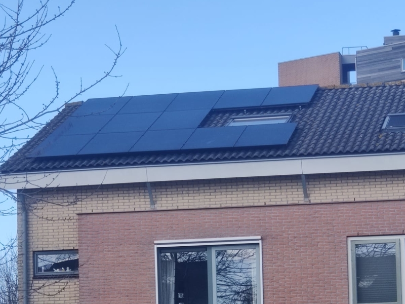 13 x 360 Wp Zonnepanelen Autarco Full Black Hondsrug Lelystad