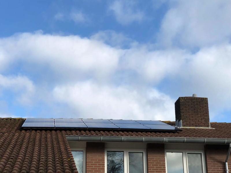 StroomVanDeZon/ Autarco zonnestroomsyteem met optimizers