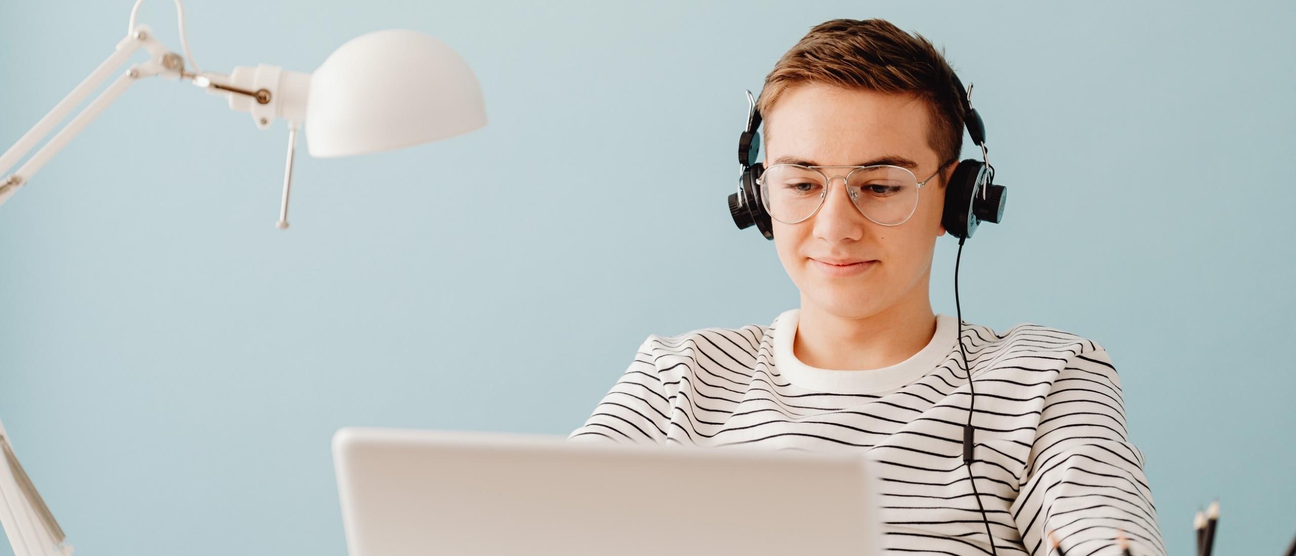 Een webshop beginnen als minderjarige? Hier moet je op letten