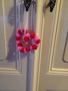 Knutselen Valentijn, maak een lieve hartenhanger