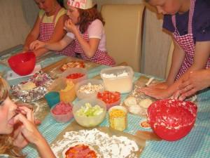 Gratis prints voor je pizza kinderfeestje for Pizza bakken op tafel