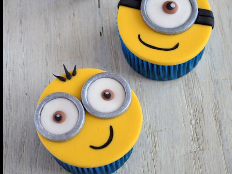 Cupcakes maken op een Minions feestje