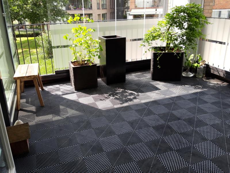 Zwarte-antislip-balkontegels