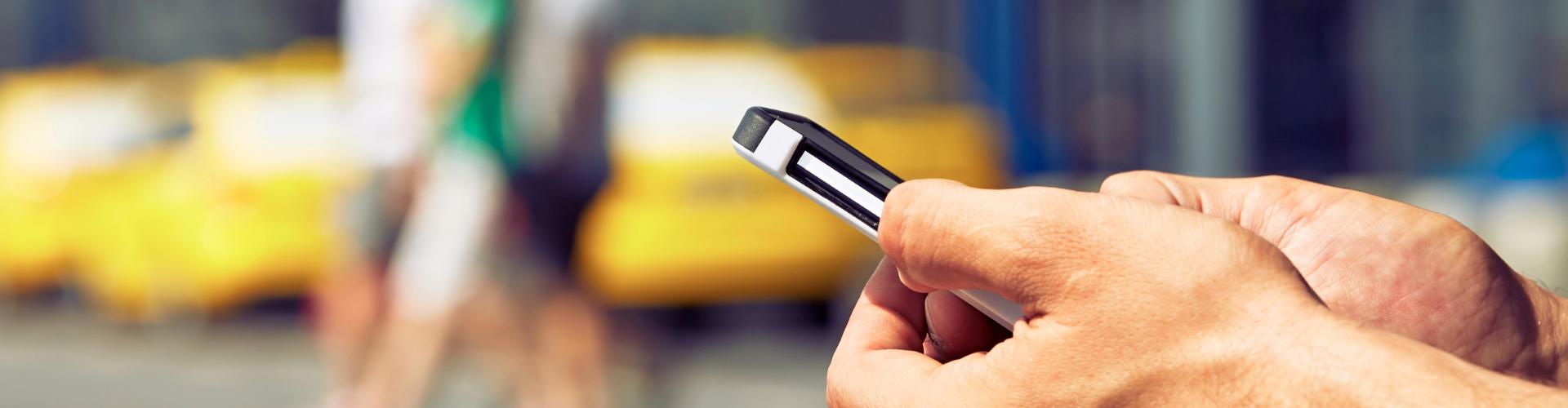 Bestel heel makkelijk online je taxi via je telefoon
