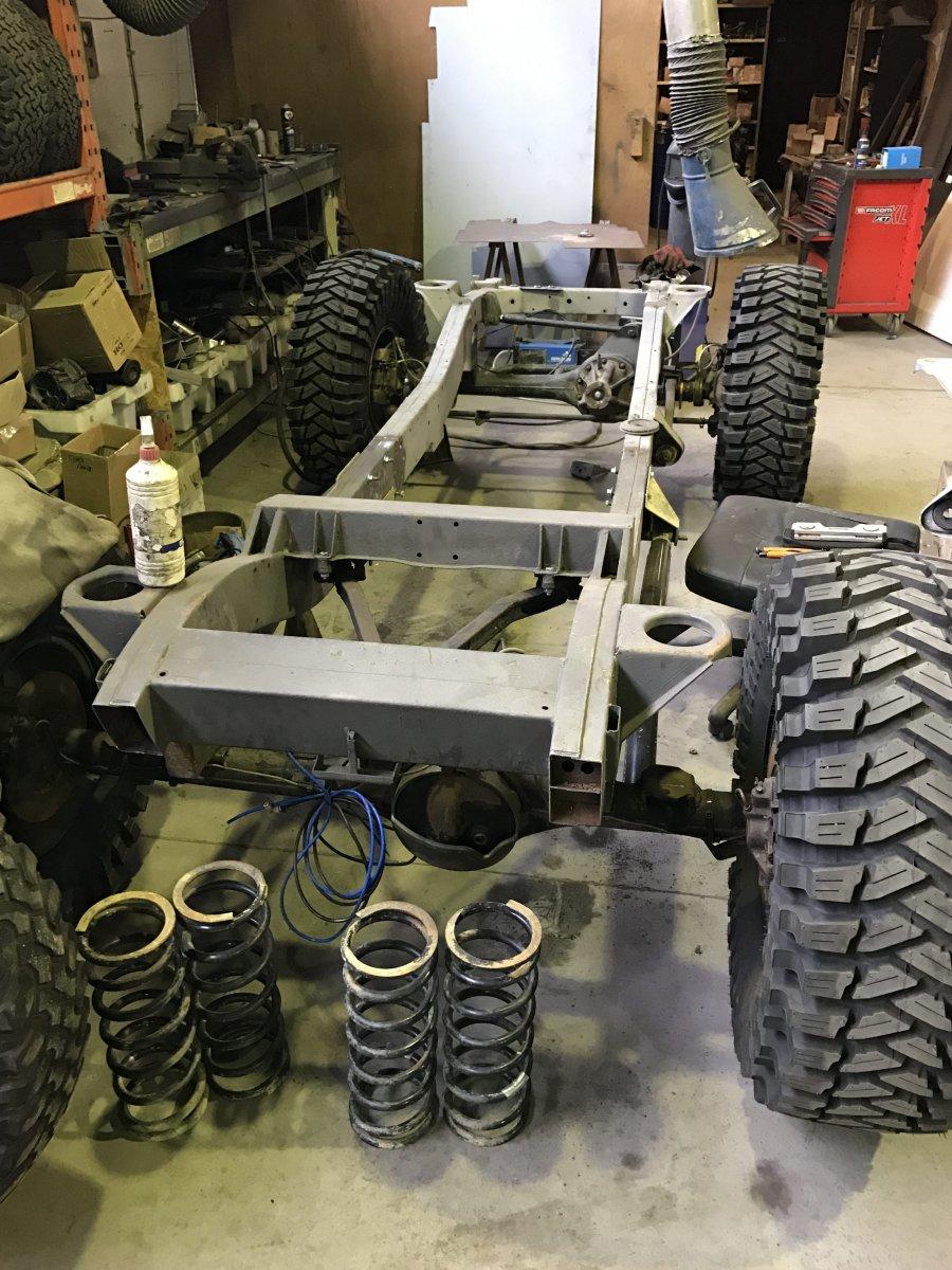 Nieuwe chassis met Maxxis Trepadors