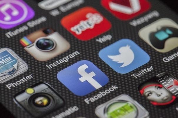 best-social-media-stocks