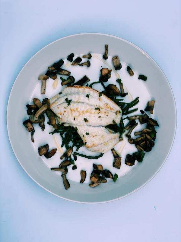 Tarbotfilet met gebakken bospaddenstoelen