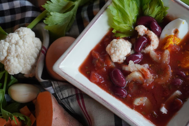Italiaanse winterse minestrone met bruine bonen