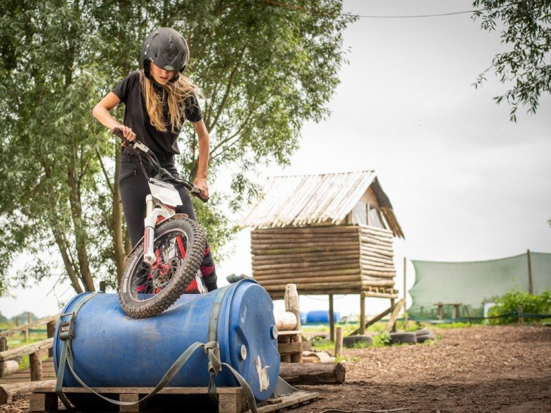Trial bike feestje bij Stal Oostwal in Broek in Waterland
