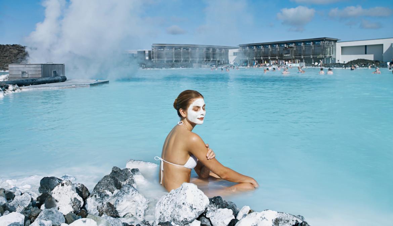 IJsland genieten in het heerlijke water van de Blue Lagoon