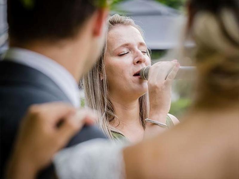 Trouwfotograaf Daan uit Zuid-Holland bruiloft zangeres