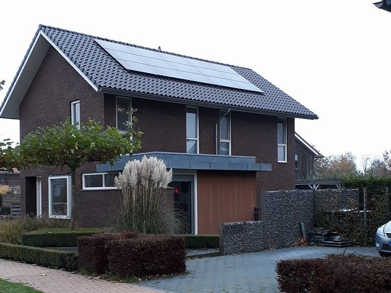 van der veen zon Heerenveen zonnepanelen installatie