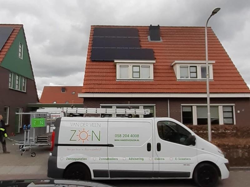 installatie zonnepanelen in Burgum