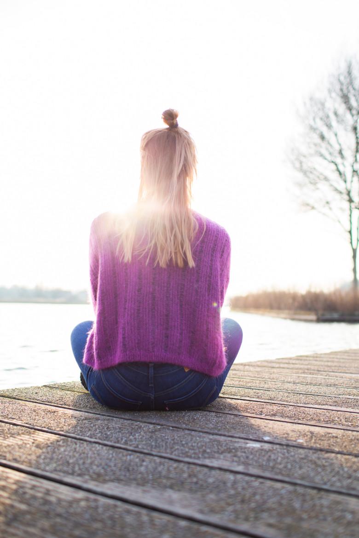 Mediteren in de ondergaande zon