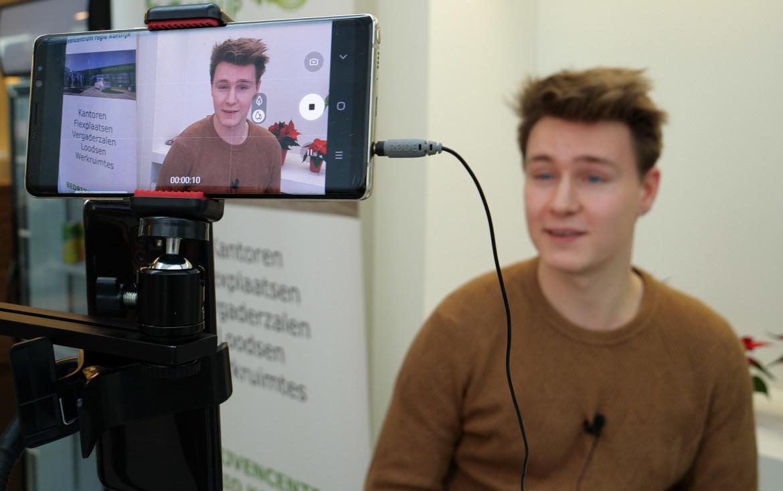 Video testimonials of klantengetuigenissen zijn een sterke vorm van sociale bewijskracht.