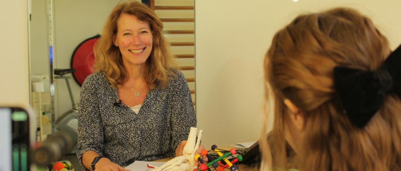 Nadia bezoekt Erkend Voetentrainer Cristina Sonnevelt