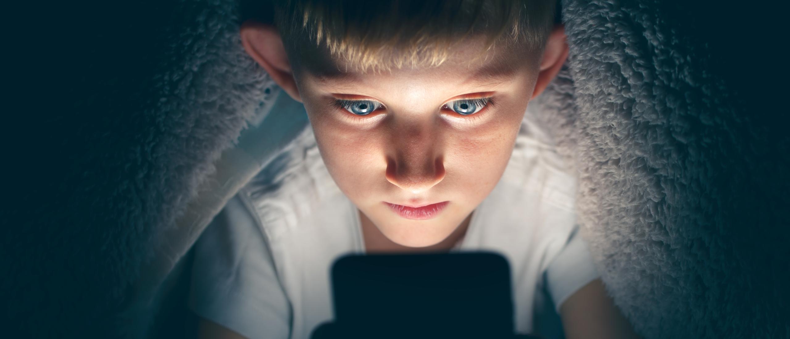 Telefoon controleren van kind