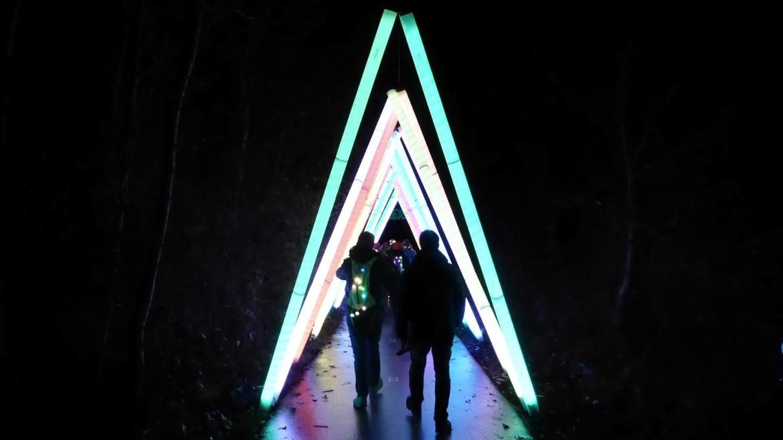 veilig wandelen in het donker tijdens de lichtjeswandeling