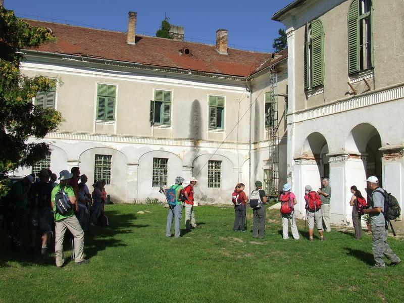 Wandelaars bij Artventures vakanties in Hongarije voor wandeltrektochten