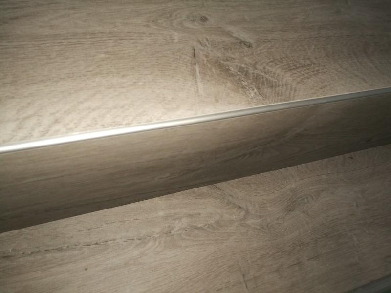 Blok traprenovatie PVC eiken rustiek licht grijs