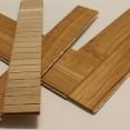 Semi tapis visgraat of Hongaarse punt moet vast verlijmd worden aan de ondervloer