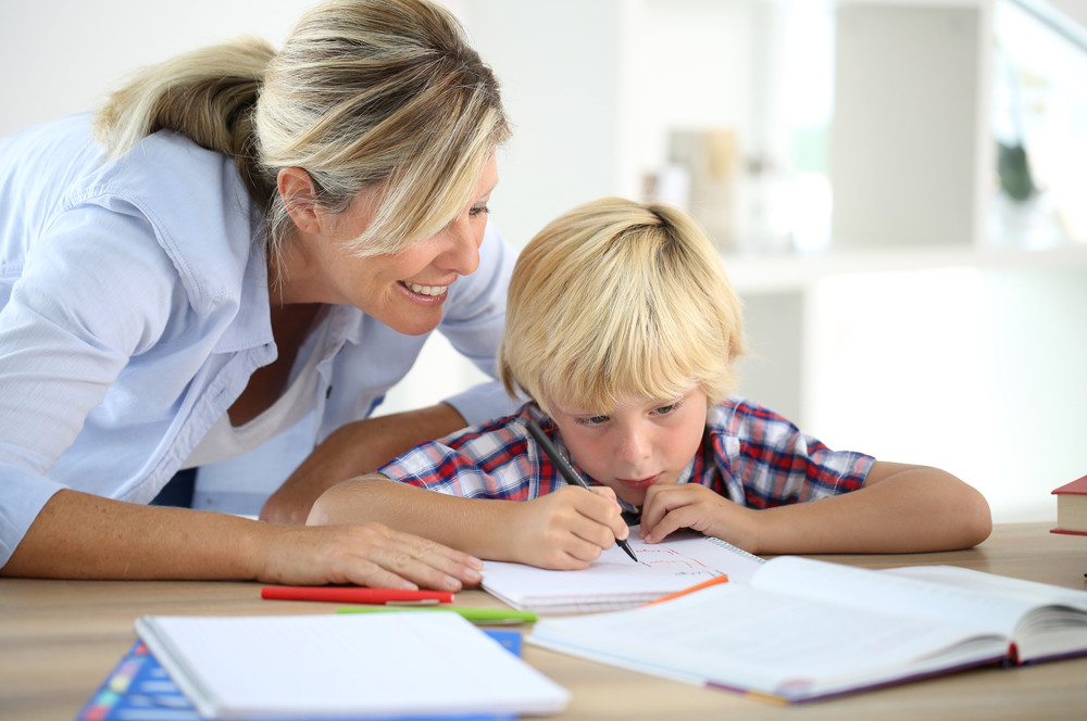 Moeder en kind leren