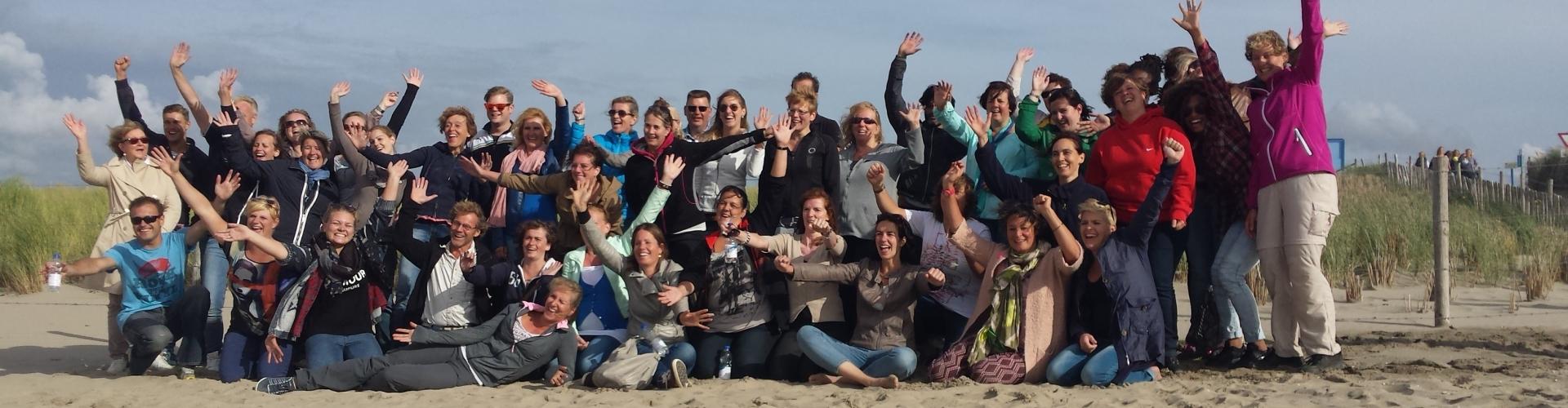 Bedrijfsuitje op het strand voor groepen