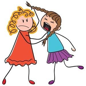 kind slaat zusje