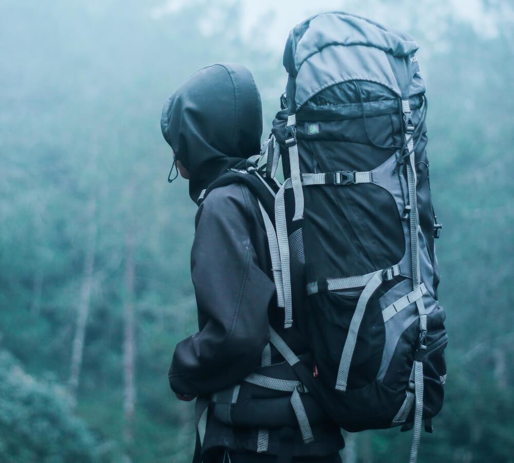 Koop ik een backpack online of in de winkel?