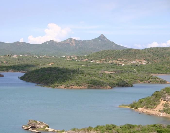 De Christoffelberg op Curaçao beklimmen