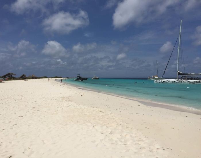 Naar Klein Curaçao met Bluefinn Charters