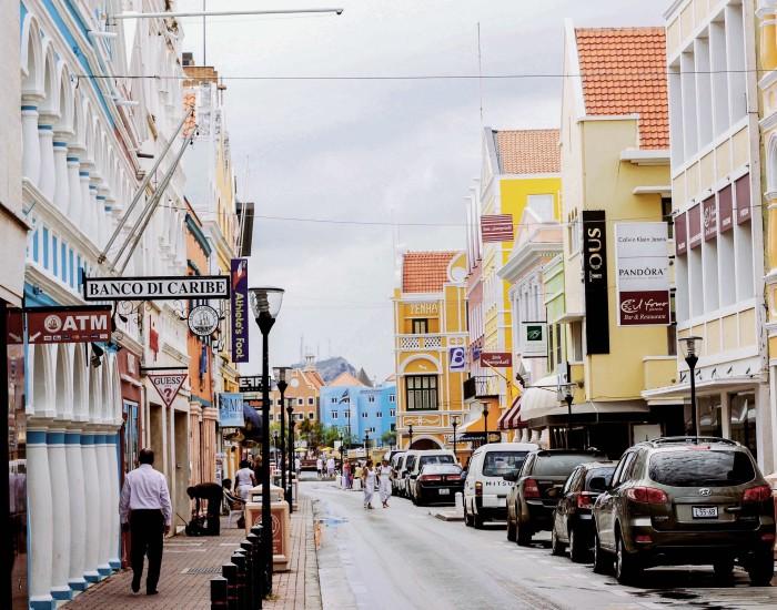 Moet ik een auto aanschaffen op Curaçao?