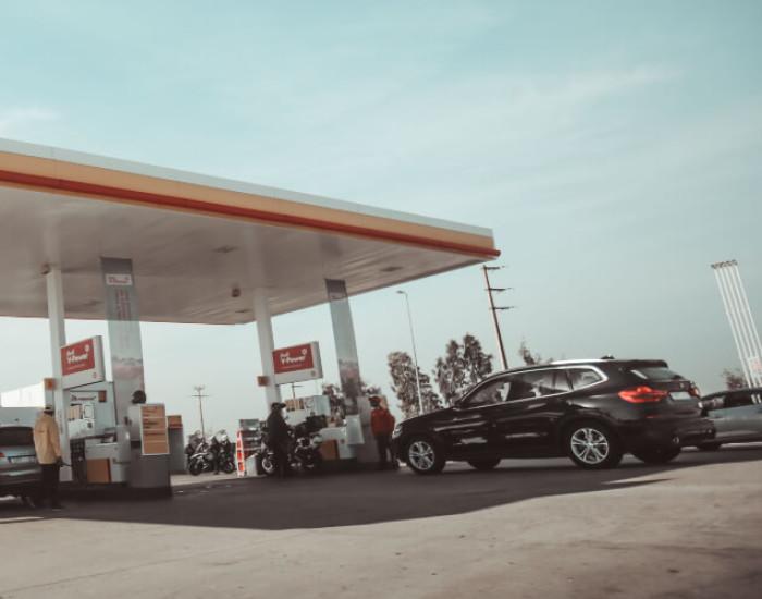Wat zijn de tankprijzen op Curaçao?