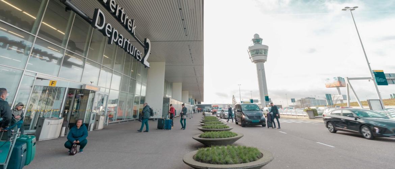 Waar kan ik mijn auto parkeren op Schiphol?