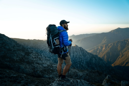 Hoe moet je een backpack schoonmaken?