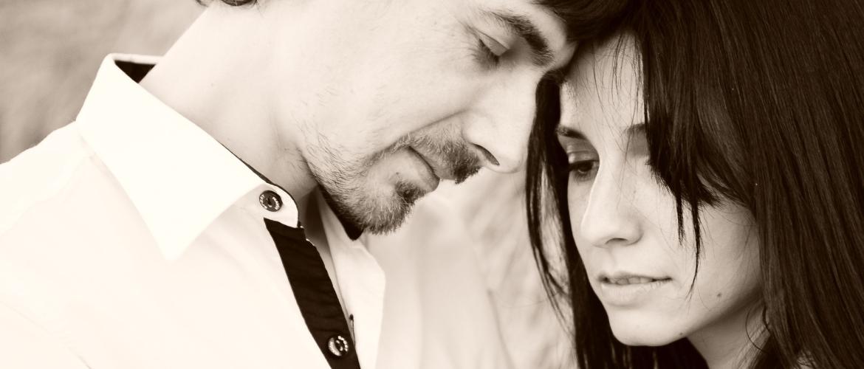 Waarom maakt verliefdheid onzeker?