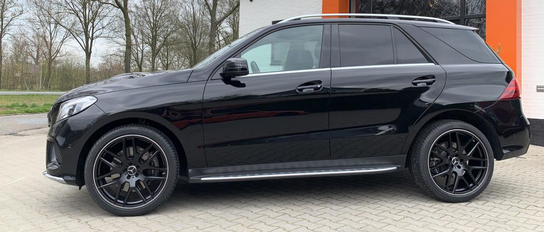 Mercedes-Benz GLE 400: Compleet alarmsysteem & Velgen