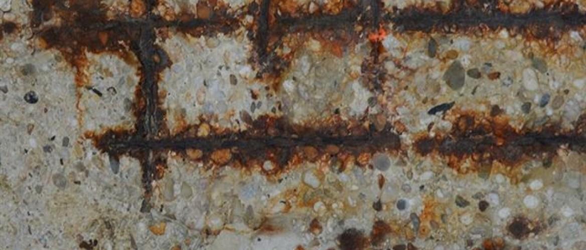 Betonrot of roestvlekken in je betonschutting?