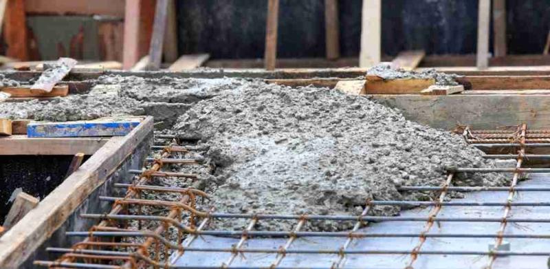 verschil gewapend beton stampbeton storten