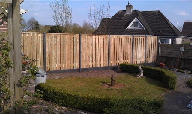beton hout schutting plaatsen flevoland