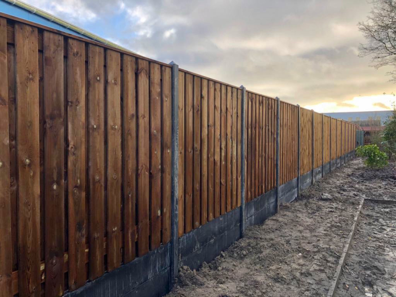Standaard houtbetonschutting Nobifix Noord-Holland