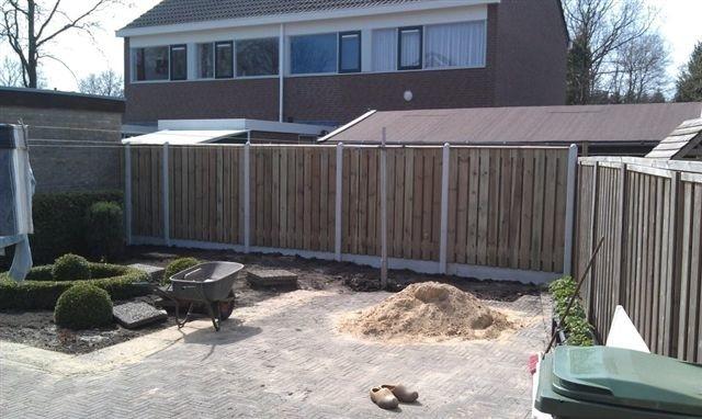hout en beton schutting in flevoland