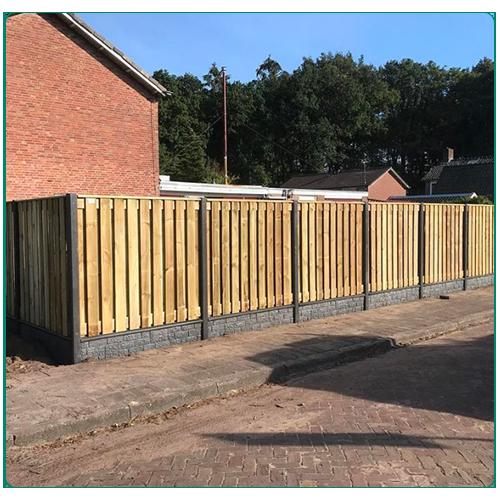 Semi-luxe hout-betonschutting bestellen of laten plaatsen