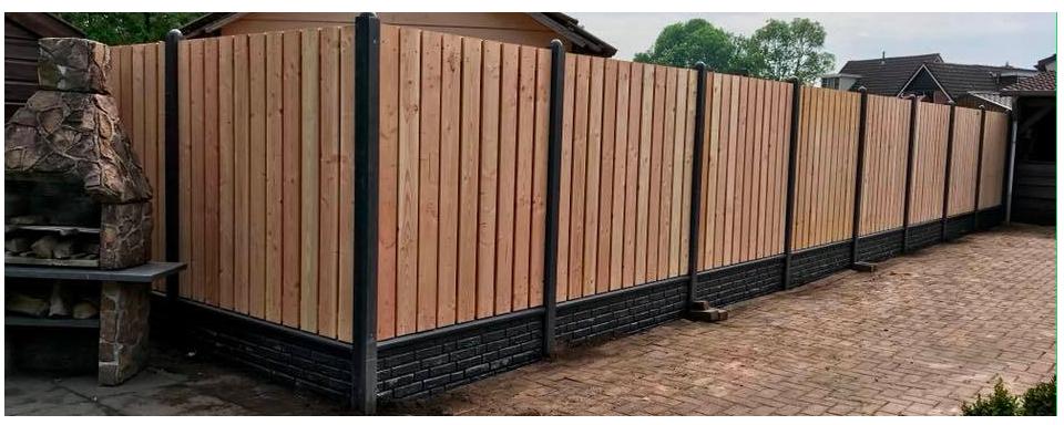 Standaard hout-betonschutting  met Douglas Hout