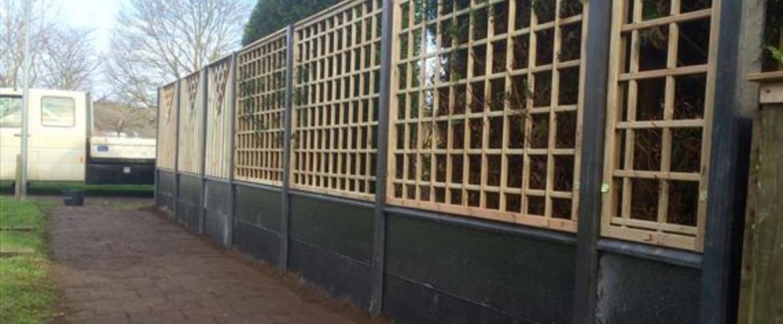 Een trellis-scherm voor jouw hout-betonschutting
